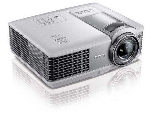 短焦点レンズプロジェクター